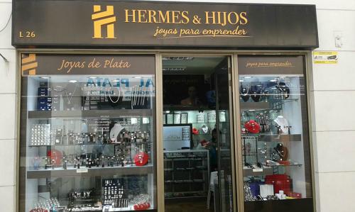 854454ac9b29 Nuestras tiendas - Joyas de plata por mayor - Emprende Joyas